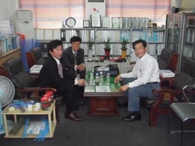 事務所 6